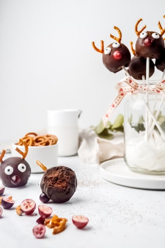 Reindeer Cake Pop 2